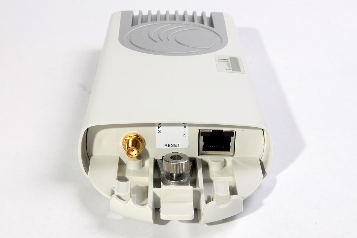 Открытая задняя крышка ePMP-1000 GPS Sync